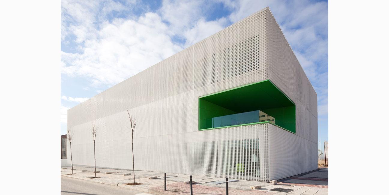 IGNACIO BORREGO Centro de Servicios Sociales en Móstoles, Madrid Concurso 1er Premio. 2009-2012